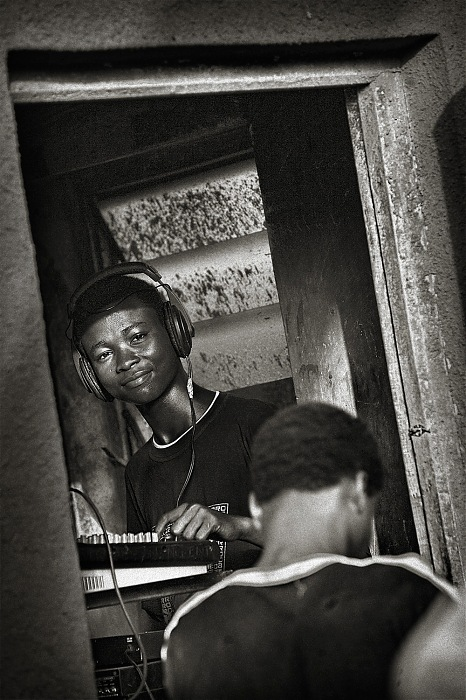 photoblog image Our Vocation #2 : The Disc-Jockey