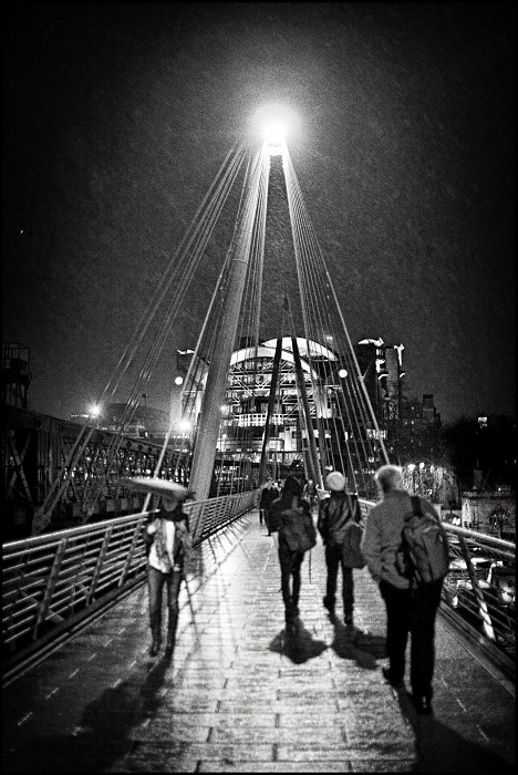 Rain on Jubilee Bridge