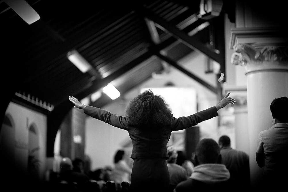 photoblog image Lady expressing her worship